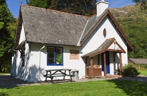 Last Minute Cottages - Tasteful Acharacle Cottage S22559