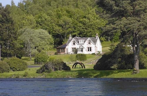 Big Cottages - Luxury Inverness Lodge S22739