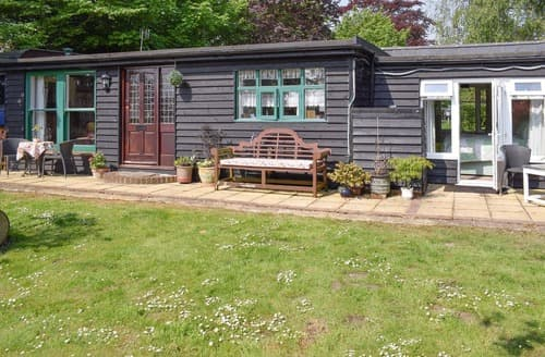 Last Minute Cottages - Cosy Chichester Cottage S101044