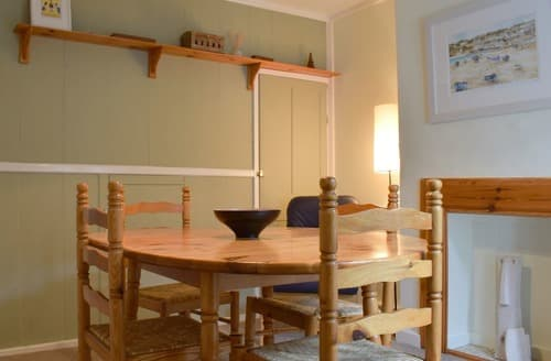 Big Cottages - Cosy Cowes Cottage S102814