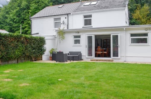 Last Minute Cottages - Lovely Cardiff Cottage S122198