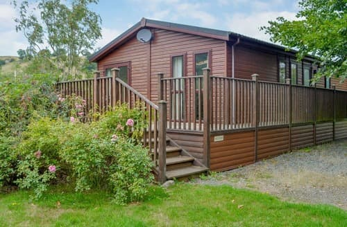 Last Minute Cottages - Beautiful Llandrindod Wells Lodge S121190