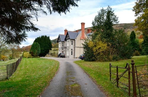 Last Minute Cottages - Captivating Mold And The Clwydian Range Cottage S125278