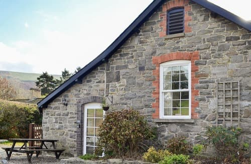 Last Minute Cottages - Attractive Rhayader And The Elan Valley Cottage S125002