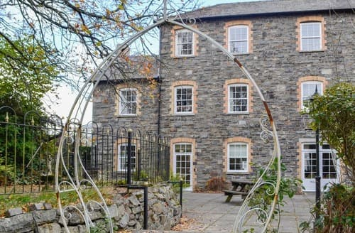 Last Minute Cottages - Inviting Rhayader And The Elan Valley Cottage S124704