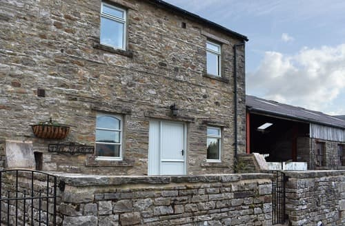 Last Minute Cottages - Wonderful Hawes Cottage S125039