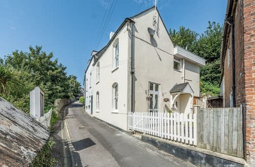 Last Minute Cottages - Charming Arundel Cottage S126084