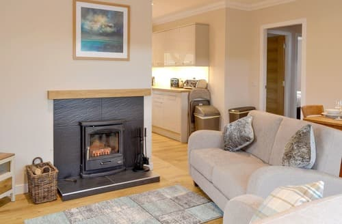 Last Minute Cottages - Lovely Ballater Cottage S126991