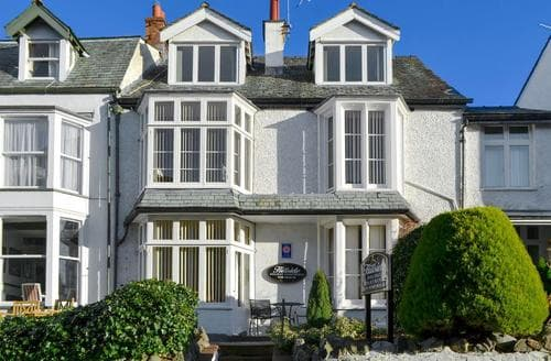 Last Minute Cottages - Charming Keswick Apartment S76077