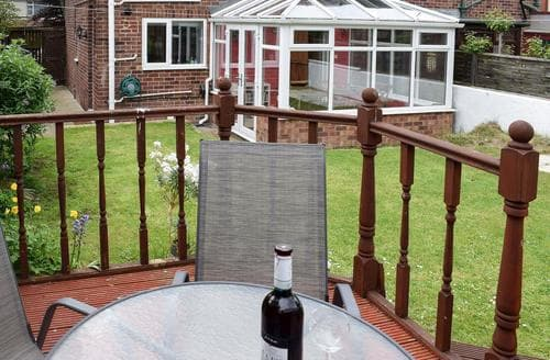 Dog Friendly Cottages - Wonderful Whitby Cottage S80176