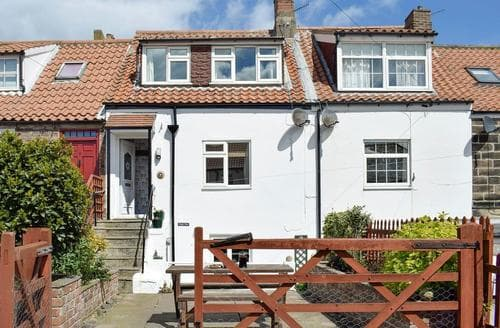 Dog Friendly Cottages - Luxury Whitby Cottage S81209