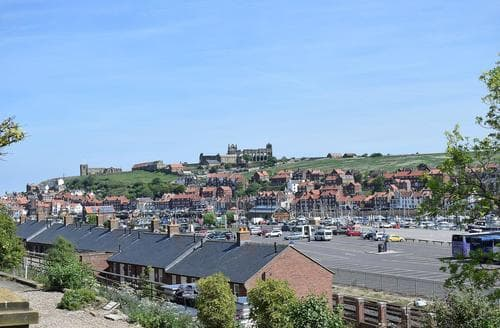 Dog Friendly Cottages - Cosy Whitby Cottage S81275