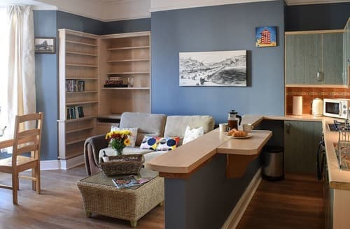 Last Minute Cottages - Cosy Whitby Lodge S122446