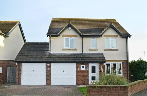 Big Cottages - Lovely Seahouses Cottage S74695