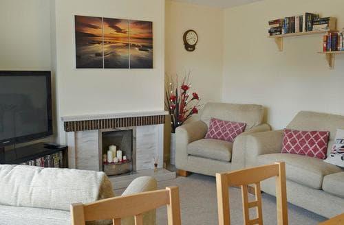 Dog Friendly Cottages - Lovely Beadnell Cottage S83692