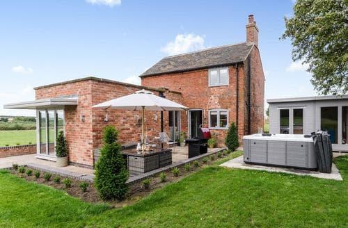 Dog Friendly Cottages - Lovely Derby Cottage S70337
