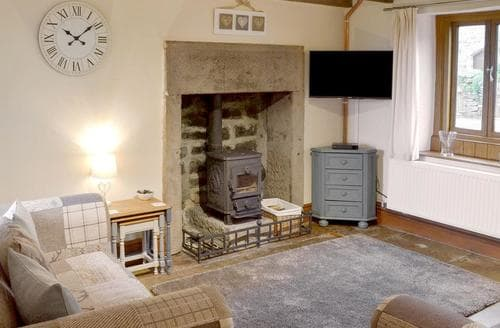 Last Minute Cottages - Delightful Brassington Cottage S79215