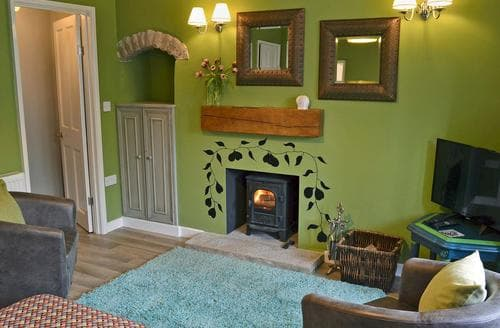 Dog Friendly Cottages - Attractive Tideswell Cottage S79369