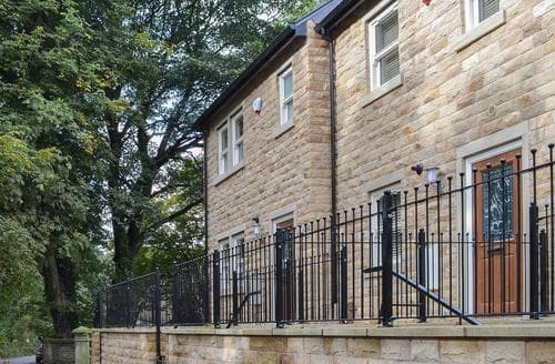 Last Minute Cottages - Attractive Glossop Cottage S85799