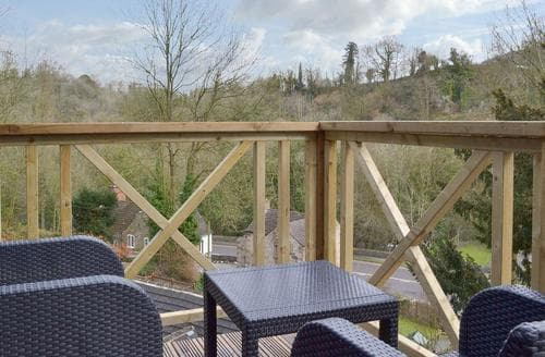 Last Minute Cottages - Luxury Matlock Lodge S97628