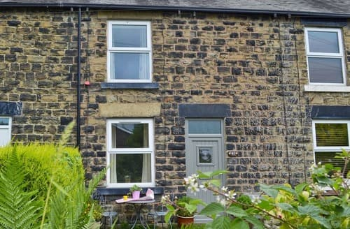 Last Minute Cottages - Excellent Chesterfield Cottage S105090