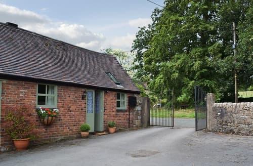 Last Minute Cottages - Stunning Leek Cottage S121618