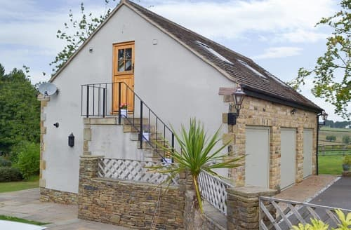 Last Minute Cottages - Charming Chesterfield Apartment S121755