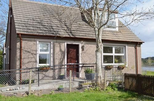 Last Minute Cottages - Inviting Gairloch Cottage S56439