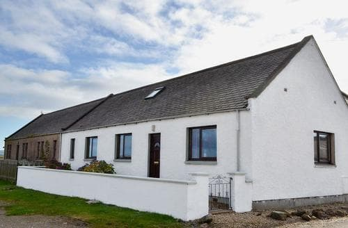 Big Cottages - Delightful Buckie Cottage S73224