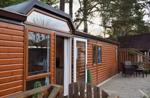Last Minute Cottages - L'Oasis Lodge