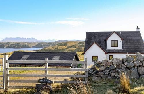 Big Cottages - Gorgeous Lochinver Cottage S78382