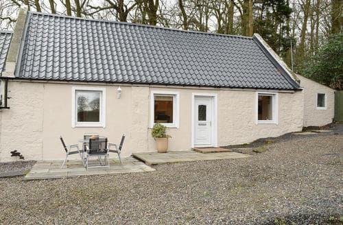 Last Minute Cottages - Charming St Andrews Lodge S79440