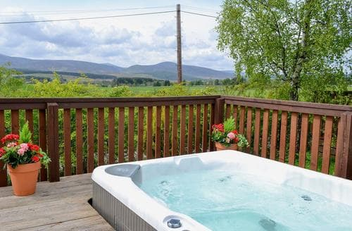 Last Minute Cottages - Tasteful Banchory Lodge S81926