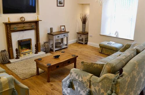 Dog Friendly Cottages - Wonderful Kelso Cottage S83998