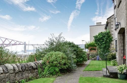 Last Minute Cottages - Splendid Edinburgh Apartment S86183