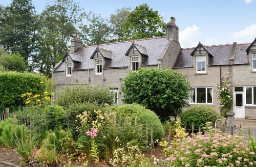 Big Cottages - Beautiful Huntly Cottage S91114