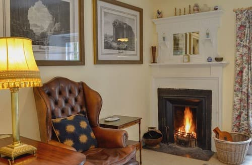 Last Minute Cottages - Tasteful Ayr Apartment S94616