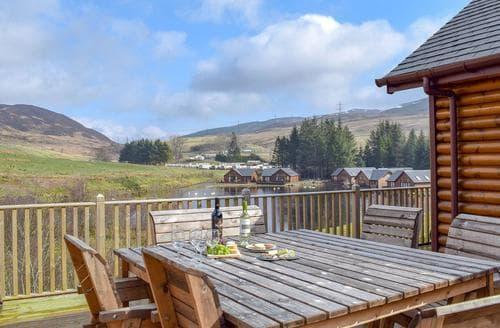 Big Cottages - Quaint Pitlochry Lodge S105429