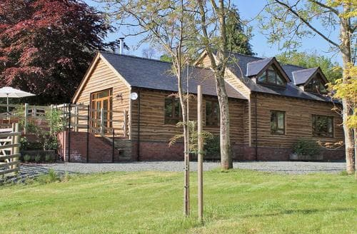 Big Cottages - Quaint Newtown Cottage S49836