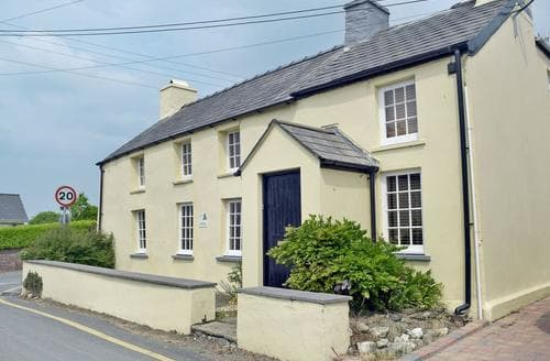 Big Cottages - Cosy Llangrannog Cottage S57758
