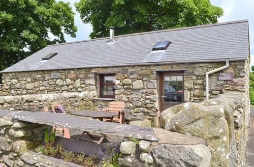 Last Minute Cottages - Lovely Pwllheli Cottage S59817