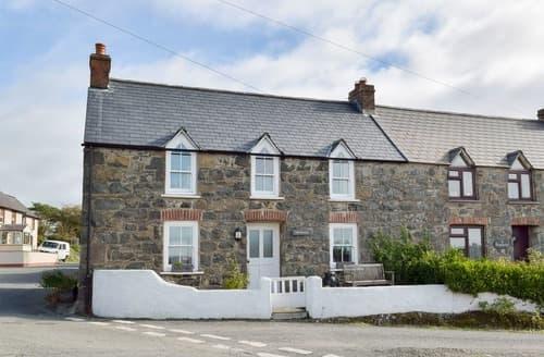 Dog Friendly Cottages - Attractive St Davids Cottage S70512