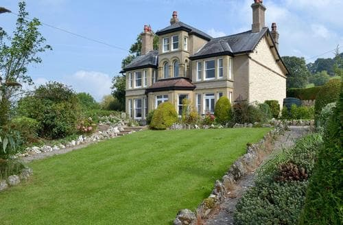 Big Cottages - Lovely Mold And The Clwydian Range Cottage S70838