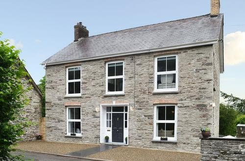 Big Cottages - Tasteful Preseli Hills Cottage S81042