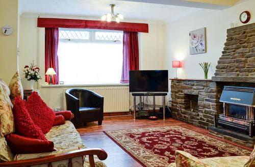 Last Minute Cottages - Cosy Swansea Cottage S94974