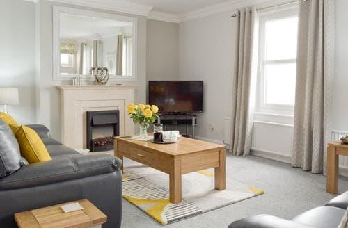 Last Minute Cottages - Beautiful Saundersfoot Apartment S97038
