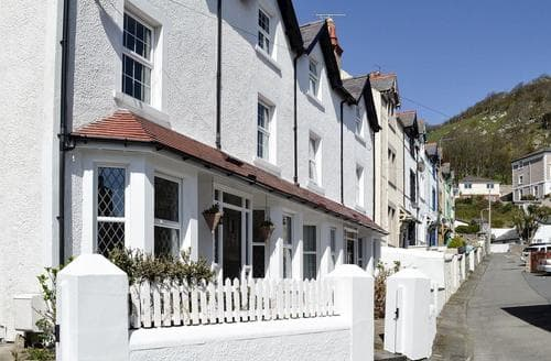 Last Minute Cottages - Lovely Llandudno Cottage S98144