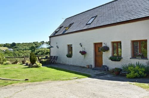 Big Cottages - Tasteful Preseli Hills Cottage S105369