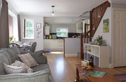 Dog Friendly Cottages - Charming Haverfordwest Cottage S105501