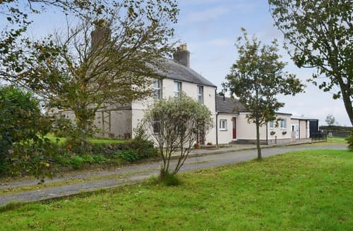Dog Friendly Cottages - Splendid Rhosneigr And Aberffraw Cottage S123523